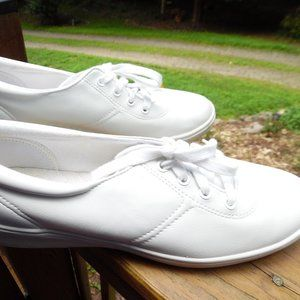GRASSHOPPERS SHOES ***SIZE 8.5 Narrow
